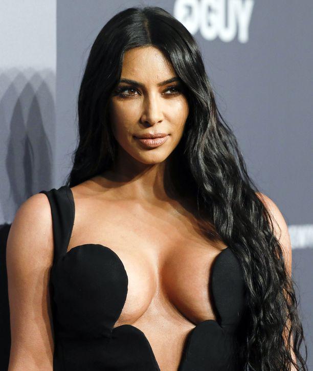 Kim Kardashian suosii minimalistisuutta.