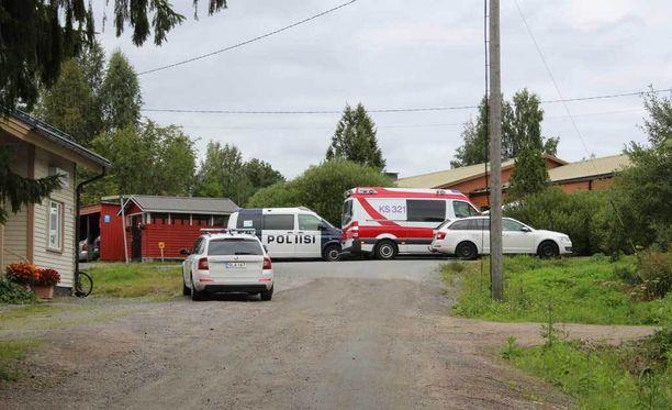 1,5-vuotiaan tytön katoaminen aiheutti laajat etsinnät Laukaassa maanantaina.