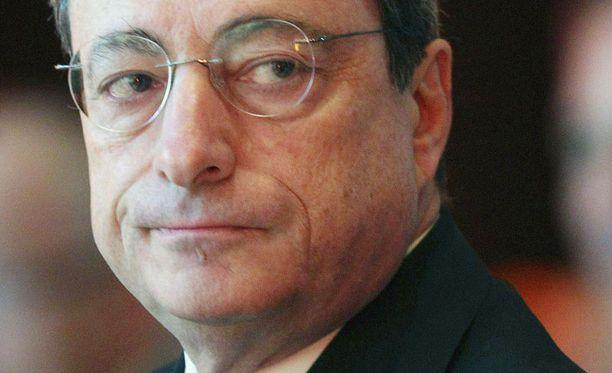 Vain EKP:lla on riittävät voimavarat eurokriisin rauhoittamiseksi.