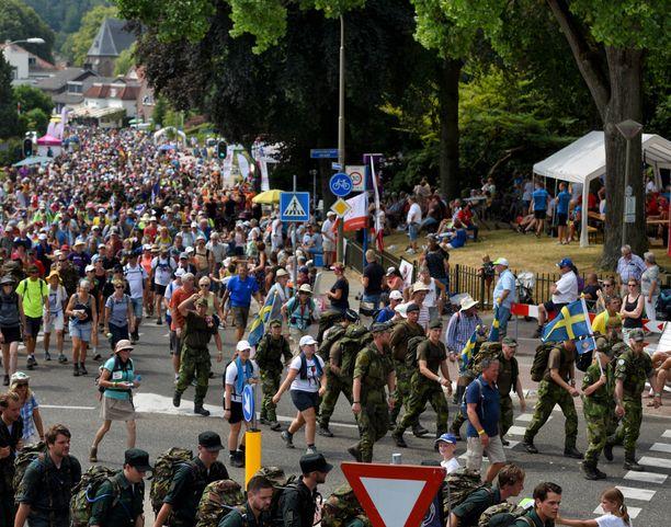 Nijmegenin marssi on yksi Alankomaiden suurimpia yleisötapahtumia. Tapahtumakuva viime vuoden marssilta.