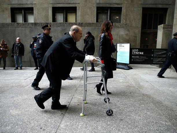 Harvey Weinstein ja hänen asianajajansa Donna Rotunno New Yorkin oikeustalolla aiemmin tammikuussa.