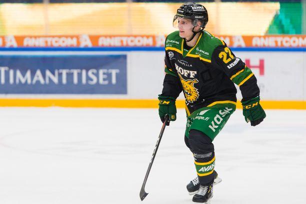 Arttu Ruotsalainen on SM-liigan pistepörssissä sijalla yhdeksän. Saldona on 8+9=17 tehopistettä.