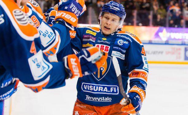 Jan-Mikael Järvinen iski tehot 1+2 maanantain 4. semifinaaliottelussa Tepsiä vastaan.