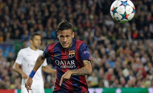 Neymarin tapaaminen oli jenkkitytölle tärkeämpää kuin 10 000 dollaria.
