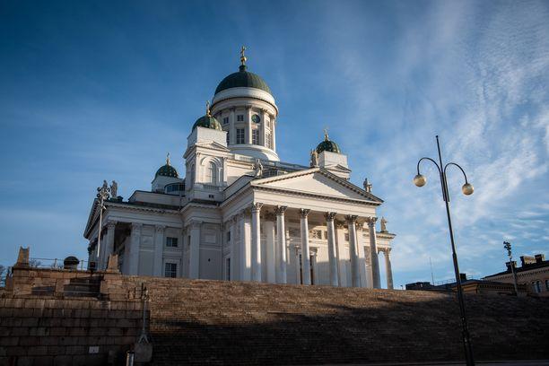Suomessa on uuden avioliittolain tultua voimaan vihitty kirkollisesti ainakin 95 samaa sukupuolta olevaa paria. Kuvituskuva.