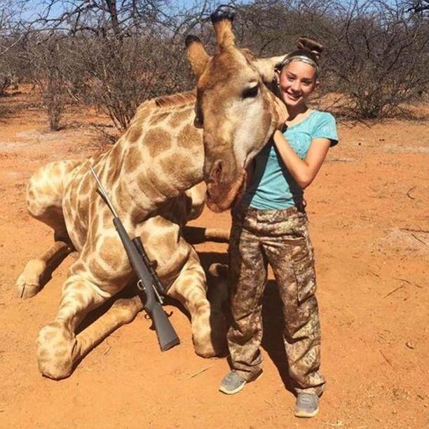 12-vuotias amerikkalaistyttö ampui Etelä-Afrikassa muun muassa kirahvin.