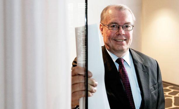 Etelä-Savon maakuntajohtaja Pentti Mäkinen sanoo, että maakuntaliittoja on kuultu viimeksi ministeriöiden kuulemisessa noin kuukausi sitten.