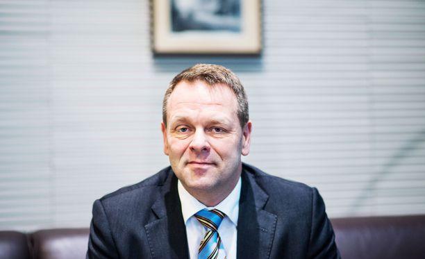 Helsingin pormestari Vapaavuori on iltalypsyllä hallituksen maakunta- ja sote-hankkeissa.