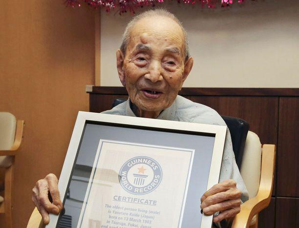 Yasutaro Koide kuoli 112-vuotiaana. Kuva otettu elokuussa 2015.