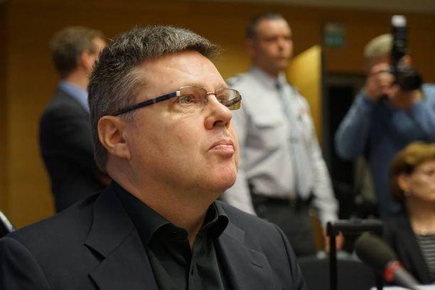 Jari Aarnio astui käräjäoikeuden eteen Trevoc-vyyhdin tiimoilta tiistaina.
