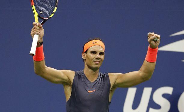 Rafael Nadal pelaa US Openin välierissä.