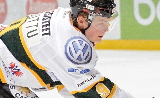 Alexander Ruuttu joutui sairastuvalle jalkavamman vuoksi.