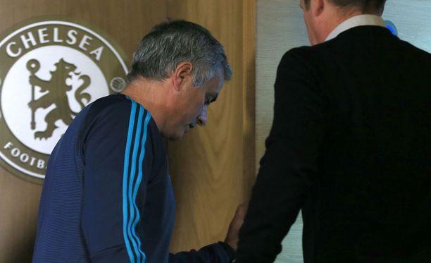 José Mourinhon Chelsea-pesti saattaa lähestyä päätöstään, mikäli joukkueen kurssi ei käänny nopeasti.