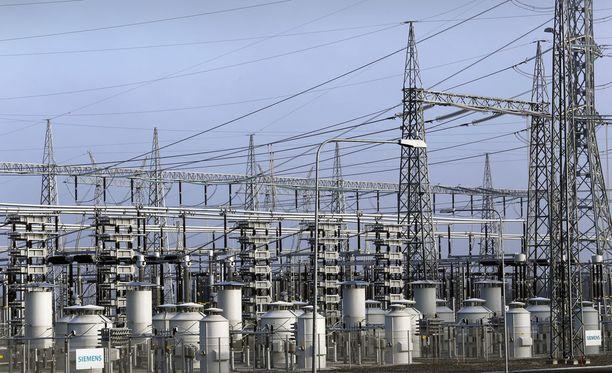 Sähkönsiirron hintojen nousun syitä aiotaan tutkia ministeriön toimesta.