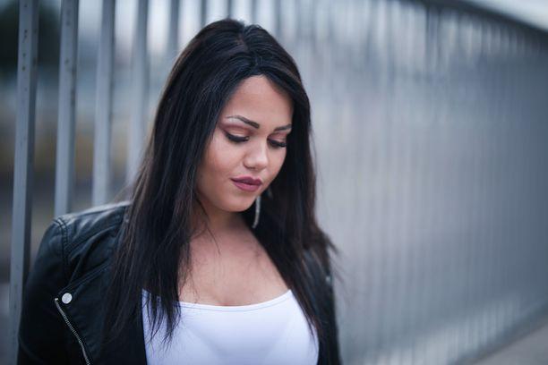 Janita Lukkarinen on nähty muun muassa Big Brotherissa ja Temptation Islandissa.
