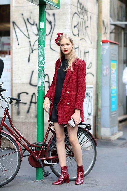 Valitse mustan sijaan punainen takki ja nilkkurit!
