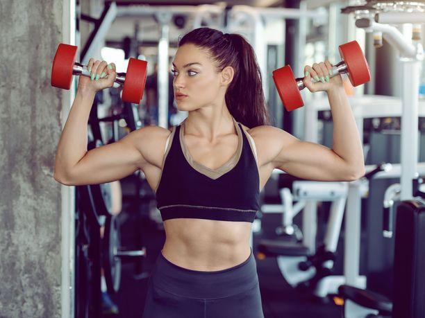 Kuntosaliharjoittelu on suosittua, mutta onko kaikkien paljon ja monipuolista liikuntaa harrastavien sittenkään pakko käydä myös salilla?