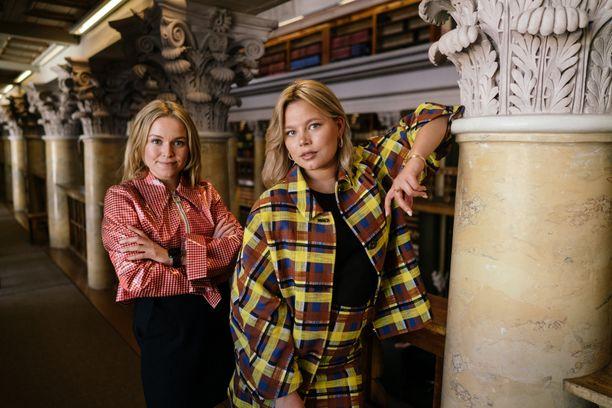 Mimmit sijoittaa -yrittäjät Pia-Maria Nickström ja Hanna Tikander kaipaavat lisää avointa puhetta rahasta. Siksi he puhuvat podcastissa ja tilaisuuksissa, ja pitävät verotietojen julkaisua läpinäkyvyyden kannalta hyvänä asiana.