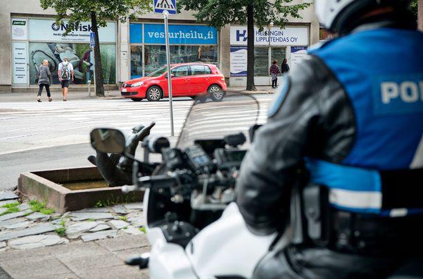 Poliisi pyytää havaintoja mahdollisesta tekijästä, hänen liikkeistään sekä itse tapahtumasta. Kuvituskuva.
