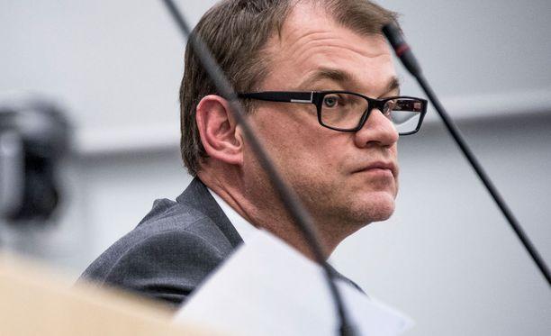 Keskustan Juha Sipilä on herättänyt keskustelua pääministerin johtamistyylistä.