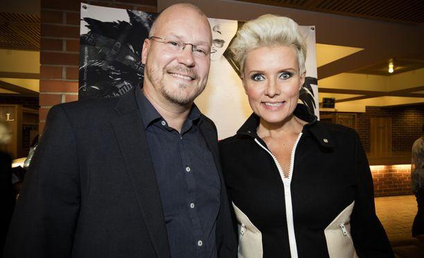 Hanna-Riikka ja hänen miehensä Janne Virtanen vuonna 2016.