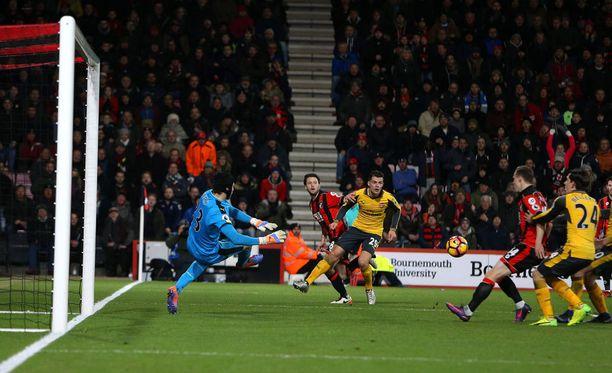 Bournemouth suli Arsenalia vastaan tasuriin, vaikka johti 3-0.