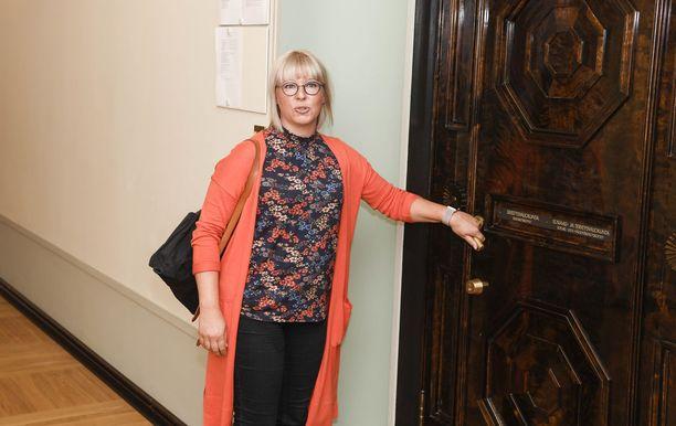 Vasemmistoliiton kansanedustaja Aino-Kaisa Pekonen.