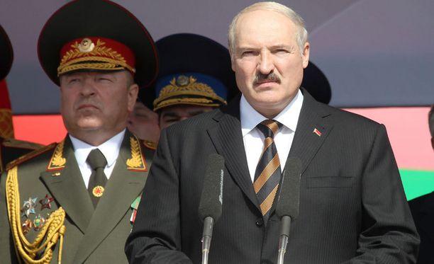 Alexander Lukashenko ei ollut tyytyväinen sotilasjohtonsa toimintaan.