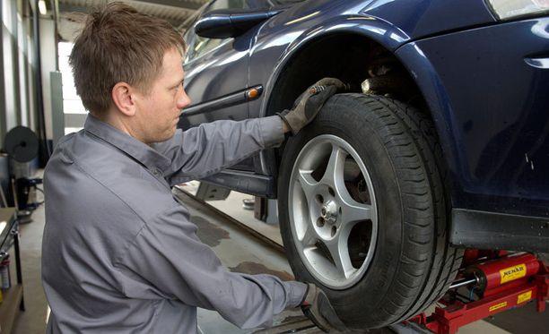 Autoliitto ei näe aiheellista huolta katsastuksen riippumattomuudesta, jos korjaamot ja autoliikkeet saavat oikeuden katsastukseen.