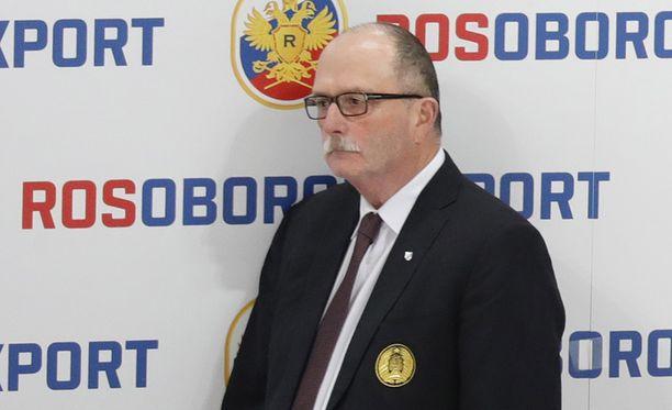 Dave Lewis sai lähteä Venäjää vastaan koetun 0-6-tappion jälkimainingeissa.