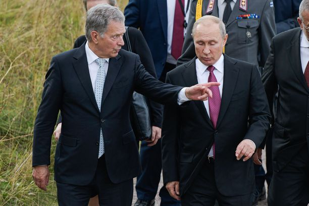 """Venäjä yhdistää pelottelun, arvaamattomuuden ja """"rauhan airuena"""" toimimisen samaan pakettiin. Tätä dilemmaa yrittää myös Suomen tasavallan presidentti Sauli Niinistö ratkoa."""