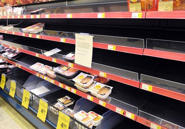 Tietyt tuotteet ovat jo loppuneet kaupoista, ja tilanne vain pahenee.