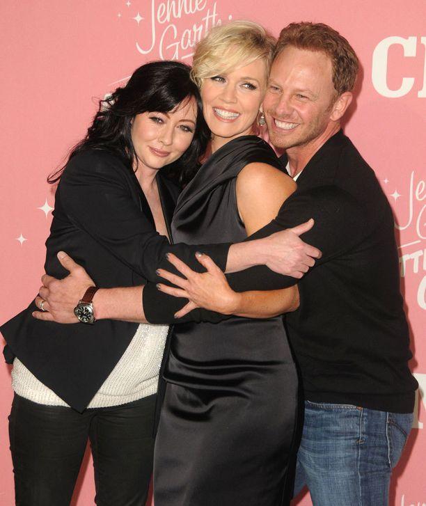 Shannen tapasi vanhoja Beverly Hills 90210 kollegoitaan kolme vuotta sitten Jennie Garthin 40-vuotissynttäreillä. Kuvassa oikealla Ian Ziering.