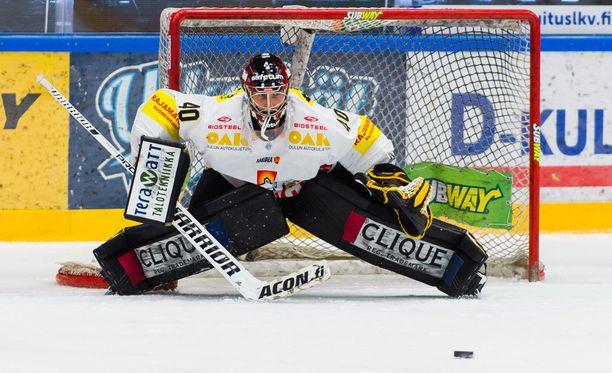 Jussi Rynnäs ei joutunut torjumaan avauserässä kertaakaan.