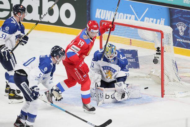Venäjän teinitähdet luistelivat SM-liigapelaajat suohon.