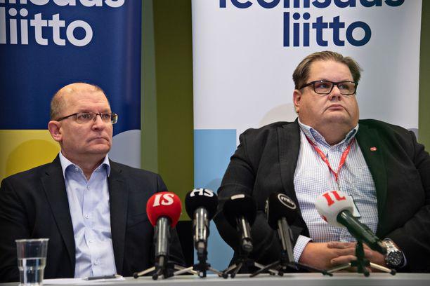 Poliittisessa lakkoilussa avainasemassa on Teollisuusliitto, tässä liiton puheenjohtaja Riku Aalto ja varapuheenjohtaja Turja Lehtonen.
