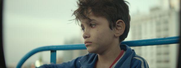 Zain Al Rafeea näyttelee vanhempansa oikeuteen haastavaa, paperitonta libanonilaispoikaa.