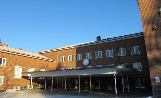 Feministiseksi järjestöksi julistautunut Suomen Lukiolaisten liitto valitsi viikonlopun liittokokouksessaan uuteen puheenjohtajistoon kolme miestä. Kuvituskuva.