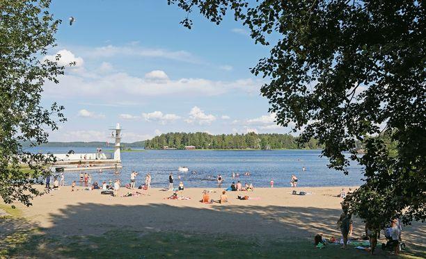 Kuopion Väinölänniemellä paistateltiin viime kesänä näin aurinkoisissa tunnelmissa.
