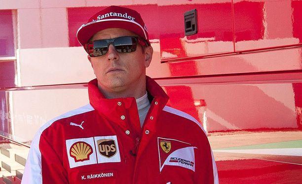 Kimi Räikkönen on jo hommannut pojalleen krossipyörän.