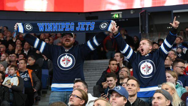 Helsingin NHL-ottelussa on tupa täynnä.