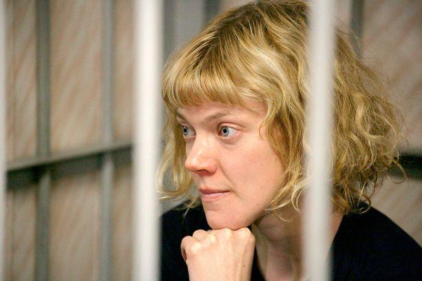 Sini Saarelaa ja muita aktivisteja pidetään vangittuna Murmanskissa.