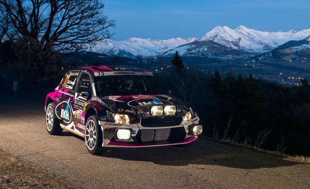 Kalle Rovanperä paahtaa neljäntenä WRC2-luokassa.
