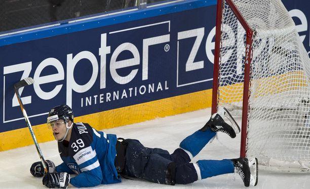 Jesse Puljujärvi kaadettiin jatkoajalla läpiajossa.