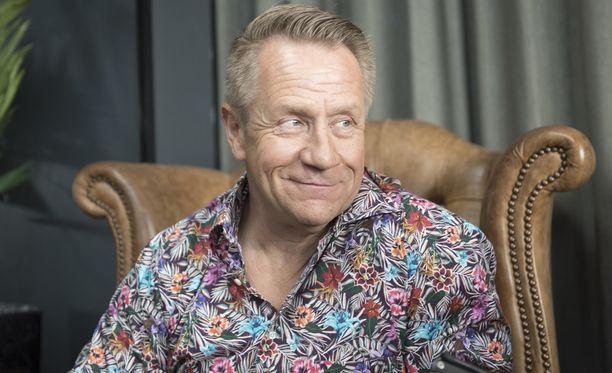 Olli Lindholm on pitänyt suhteestaan pitkään matalaa profiilia.
