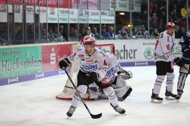 Jussi Timonen palaa Saksasta Suomeen.