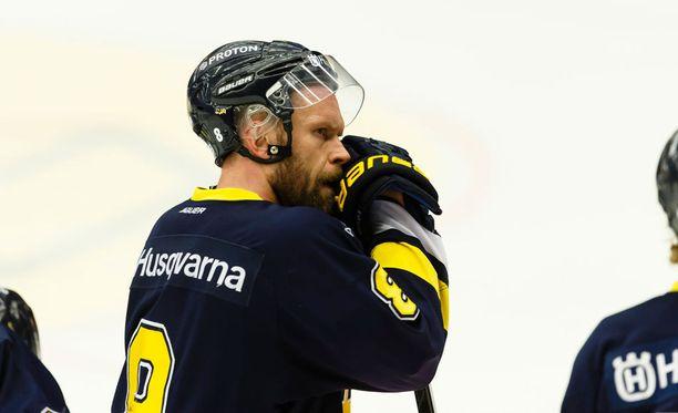 Jere Karalahden tällä erää viimeisin seura on ruotsalainen HV-71.