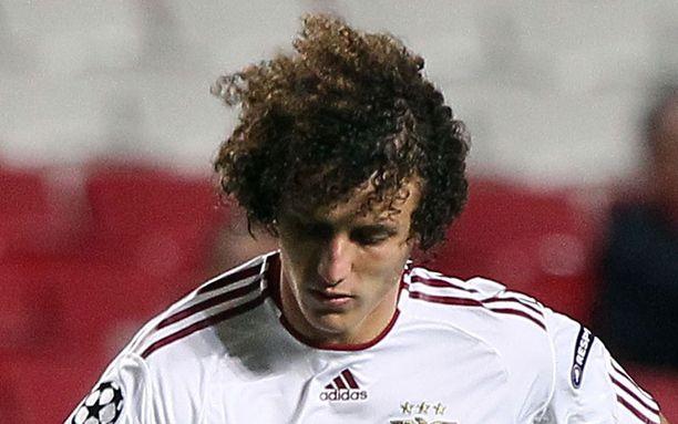 David Luiz jää Benficaan.