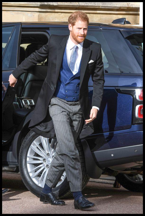 Prinssi Charlesin nuorimmainen saapui serkkunsa häihin vauhdikkaasti. Prinssi Harry näytti tyylikkäältä prinsessa Eugenien häissä.