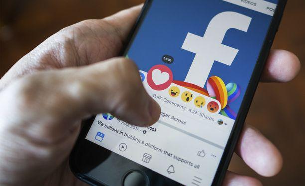 Facebookin testissä käyttäjät eivät näe toistensa julkaisujen tykkäysmääriä.